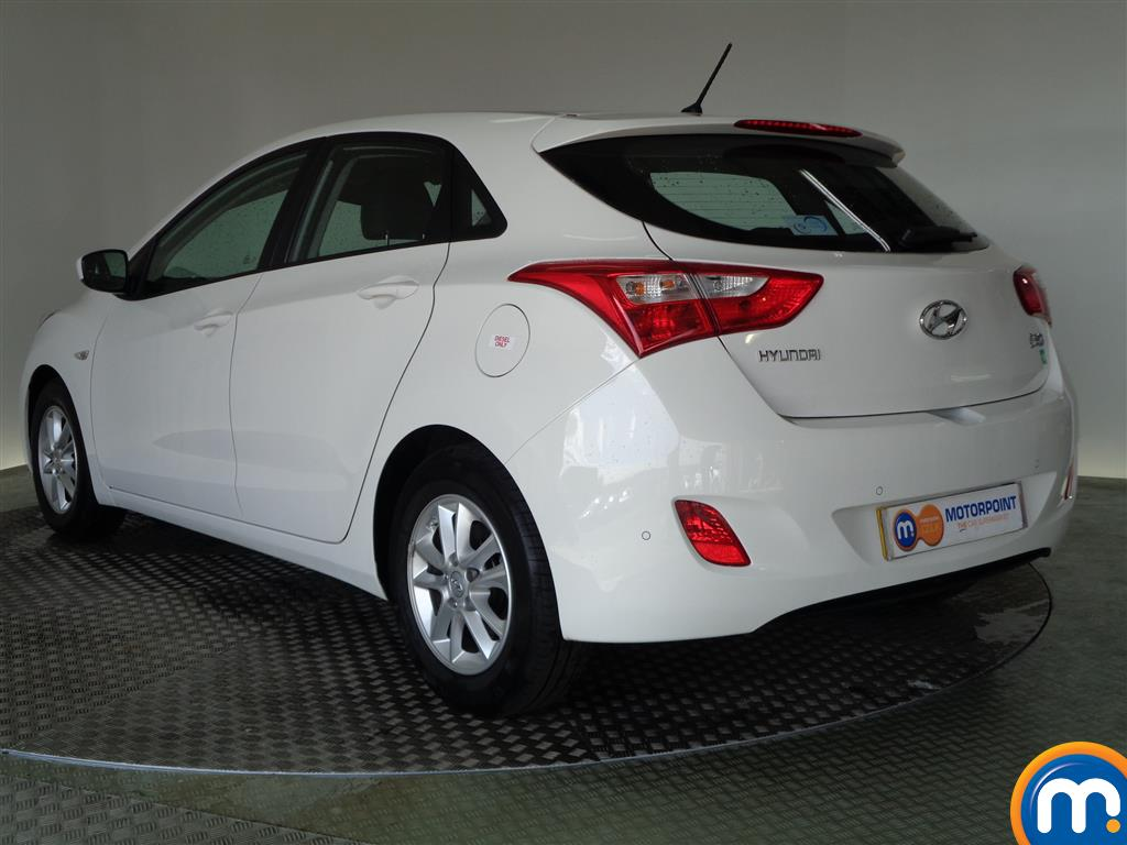 used or nearly new hyundai i30 1 6 crdi blue drive active 5dr white for sale in glasgow motorpoint. Black Bedroom Furniture Sets. Home Design Ideas