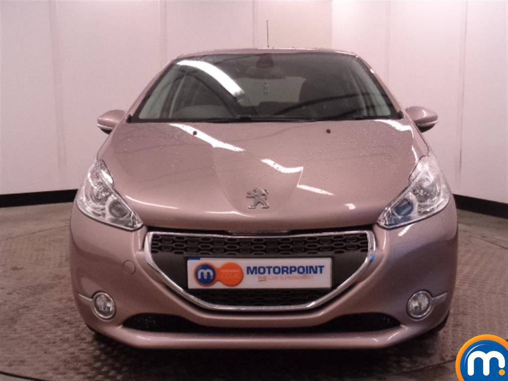 used or nearly new peugeot 208 1 6 e hdi allure 5dr pink for sale in widnes motorpoint. Black Bedroom Furniture Sets. Home Design Ideas